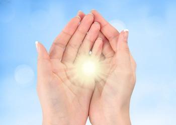 Les mains de Lumière, mains guérisseuses